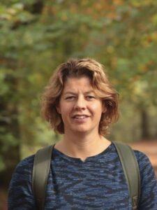 Portretfoto van Saskia, algemeen bestuurslid Stichting Dromen voor Duchenne,.