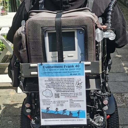 Vandaag ook de rolstoel geprepareerd om reclame te maken voor: #frank40 #duchenne #zetjespierenin #sponsoren #stichtingdromenvoorduchenne