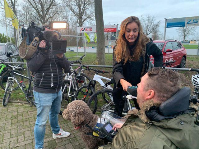 Vandaag filmopname gemaakt voor het Omroep Zeeland programma 'evenement van de week' bij @v.v.kloetinge . Er was een ATB-fiets- en wandeltocht georganiseerd waarbij 50% van de opbrengst naar onze collega stichting @duchenne_nl gaat. De opbrengst is ruim € 2.000,—. Het was een mooie gelegenheid om onze doelstelling samenwerken met andere 'Duchenne' gerelateerde goede doelen in de praktijk te brengen. Dank voor de samenwerking! De uitzending is aanstaande maandag 13 januari 17:16 uur(herhaling elk half uur). Is tevens terug te zien op de site van @omroepzeeland .  #duchenne #evenementvandeweek #duchenneparentproject #dromenvoorduchenne #samenwerken #tvopnames